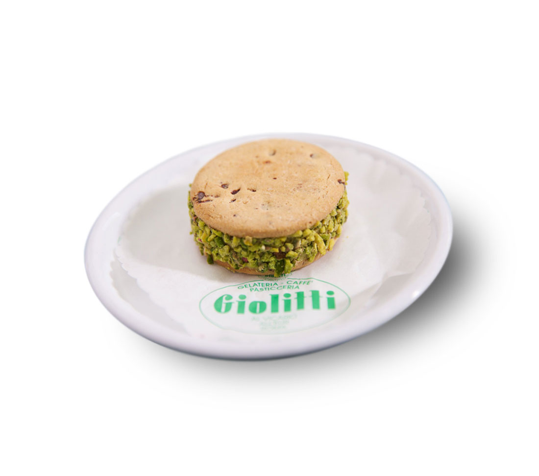 ROUND ICE CREAM BISCUIT WITH PISTACHIO